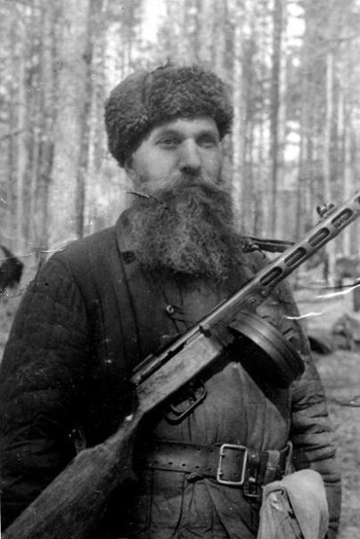 Герой Советского Союза полковник Емельян Барыкин