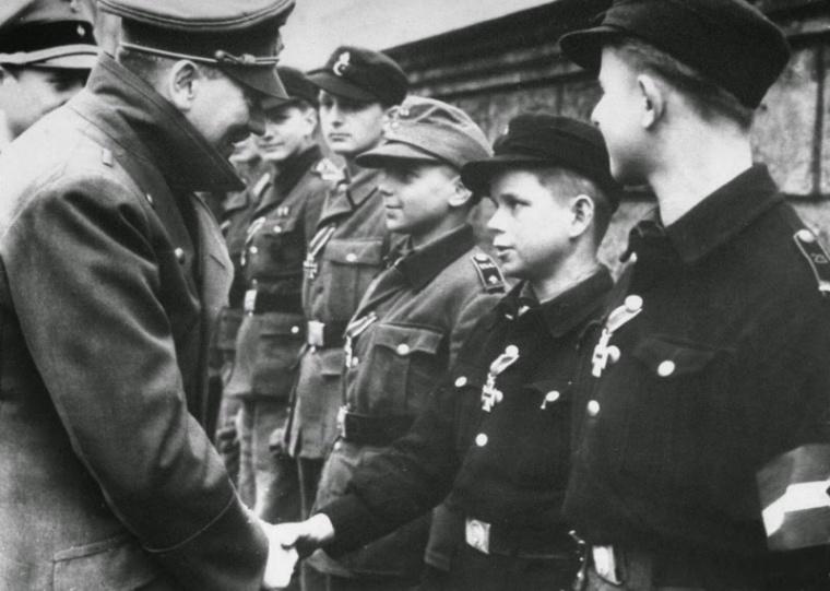 Последняя волна мобилизации. Германия, 1945 г. The latest wave of mobilization. Germany, 1945.