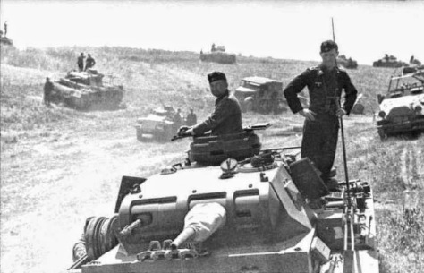 13-я танковая дивизия Вермахта возле Фастова под Киевом. 1-я танковая группа Клейста тронулась от Киева на юг. Июль 1941 года