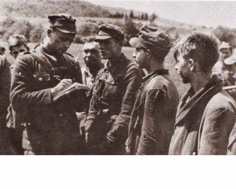 Допрос пленных украинских повстанцев, Закерзонье, 1947 год